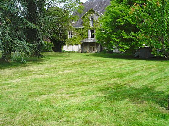 tonte-pelouse-arborie-entretien-parcs-jardins2